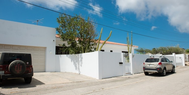 HOUSE - 64