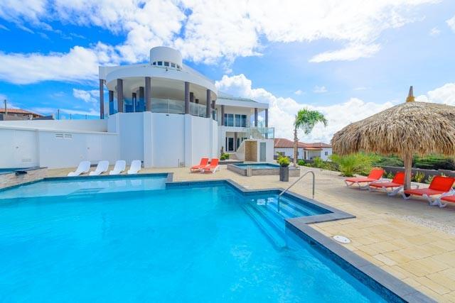 Exclusive Villa Royale