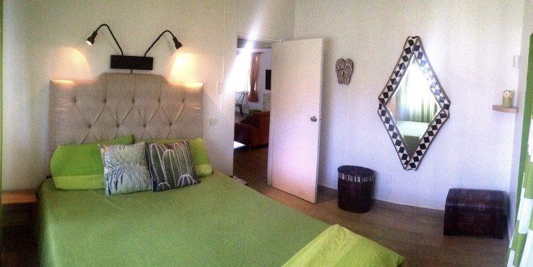 guest bedroom 27