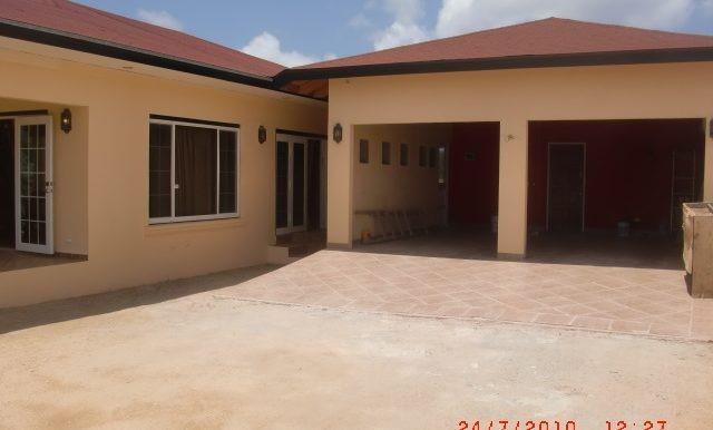 garage-and-studio-apt-sb