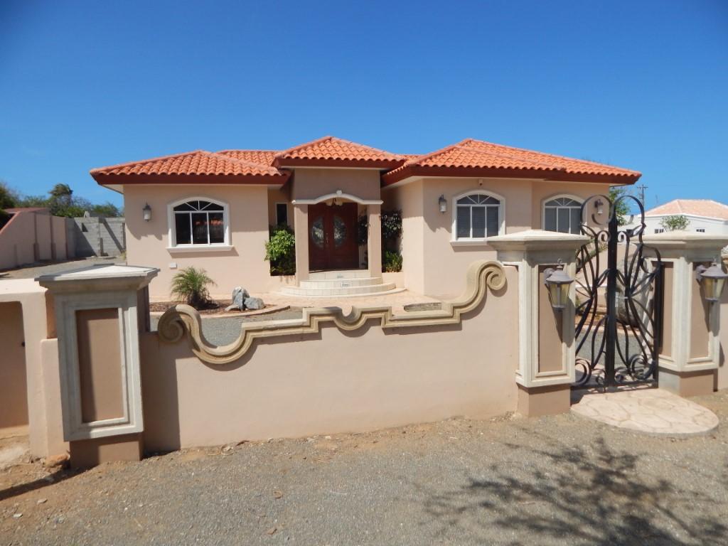 Villa Rooi Afo | RENTED |