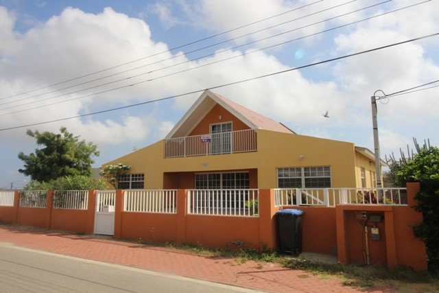 Spacious Family home close to the airport [Sale in progress]