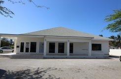 COMMERCIAL BUILDING  in Tanki Leendert [FOR SALE]