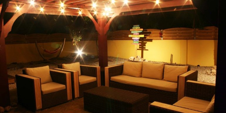 casa-galpy-aruba-gazebo-by-night-01-med