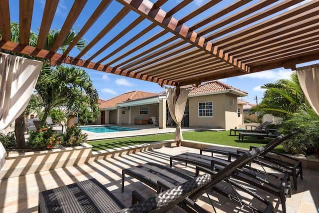 Luxury Villa in Topaz