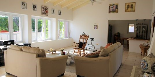 Seroe Blanco family home available for rent summer 2021